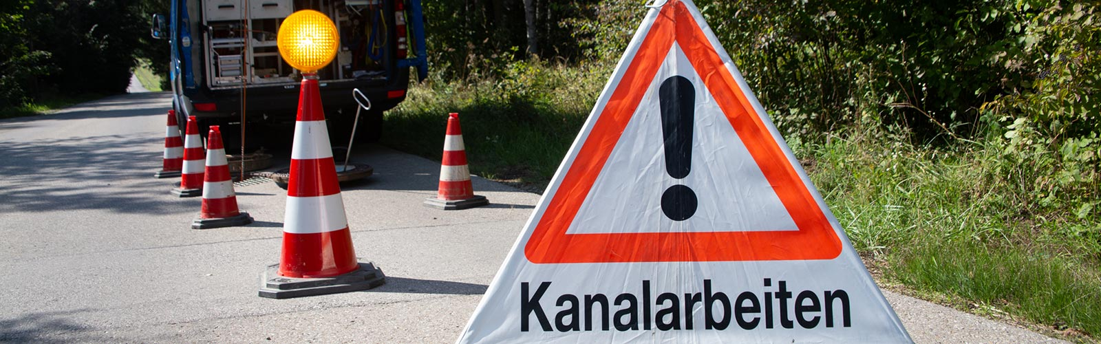Warnschild Kanalsanierung